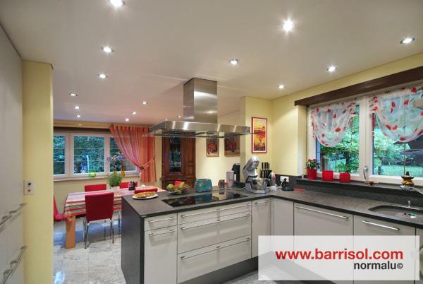 Barrisol canada eclairage par spots int gr s dans le - Spot de cuisine encastrable ...